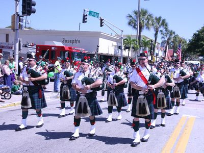 Irish Pipers Parade along Las Olas Boulevard during St. Patricks Day Celebration
