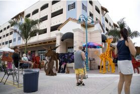 Click to Downtown Delray Beach Art Festival